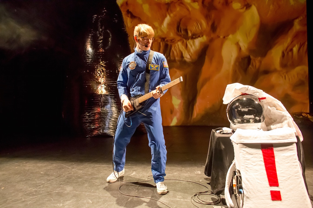 Illustration de robotcowboy: Onwards to Mars